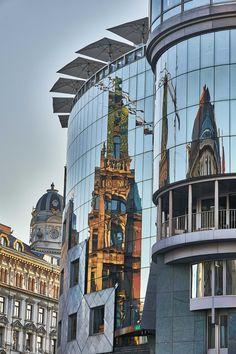 Reflecting Stephansplatz -Haribo M