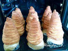 Trdelnik – Baumstriezel – Monika Triebenbacher – Sweet Hand … – Pastry World Heart Healthy Desserts, Fall Desserts, Healthy Dessert Recipes, Sponge Cake Recipes, Easy Cake Recipes, Chimney Cake, Star Cakes, Food Cakes, Food Lists
