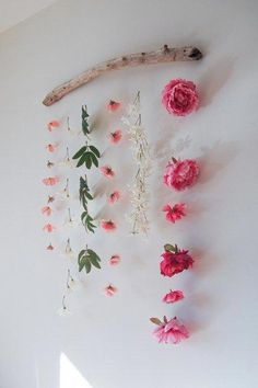 DIY Flower Wall Hanging is part of Room Decor DIY Flowers - How to make a flower wall hanging with faux flowers to celebrate Valentine's Day or Spring Can be made using materials you already have! Rustic Wall Decor, Rustic Walls, Boho Decor, Faux Flowers, Diy Flowers, Flower Diy, Fake Flowers Decor, Sugar Flowers, Real Flowers