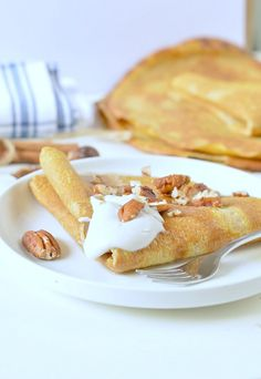 Pumpkin crepes, Low Carb + Gluten free healty mornings for Thansgiving. A delicious recipe made with coconut flour, almond meal and a coconut cream pecan maple filling. Gluten Free Pumpkin, Pumpkin Recipes, Fall Recipes, Almond Recipes, Low Carb Recipes, Diabetic Recipes, Coconut Flour Crepes, Almond Flour, Breakfast Crepes