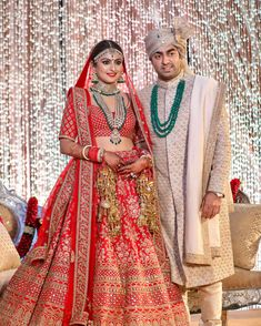 Wedding jewelry is a vital part of bridal wear. Many brides underestimate the need for selecting the most appropriate jewelry. The perfect necklace, earrings, Indian Wedding Gowns, Wedding Lehnga, Indian Bridal Outfits, Wedding Sherwani, India Wedding, Indian Bridal Fashion, Indian Bridal Lehenga, Bridal Dresses, Red Lehenga