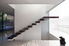 Check Out Modern Staircase Design For Your Home. Most modern staircase design is meticulously detailed, exposing all the working elements and eschewing trim, moldings, and other decoration. Stairs Architecture, Architecture Details, Interior Architecture, Bauhaus Interior, Modern Interior, Bauhaus Architecture, Interior Design, Minimalist Interior, Pitsou Kedem
