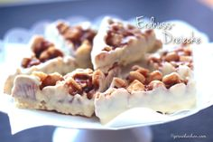 Wer Nüsse mag, wird diese Naschereien lieben. Macadamia und Erdnuss zusammen mit Karamell und weißer Schokolade - jede Sünde wert.