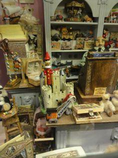 Dollhouse toy shop, miniatures. //Le monde créatif de Catherine: De retour de vacances et je suis gâtée !!