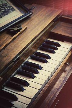 Retro Piano