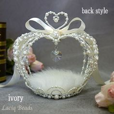 クラウンハートのリングピロー | romantic white pearl beaded ring pillow with crystal heart