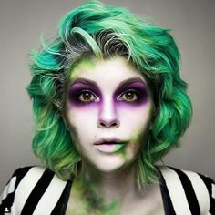When it comes to Halloween films, it doesn't get much more classic than Tim Burton's Beetlejuice. The whole movie — which stars Hollywood favorites Beetlejuice Makeup, Beetlejuice Halloween Costume, Halloween Makeup Looks, Halloween Kostüm, Halloween Cosplay, Tim Burton Halloween Costumes, Female Halloween Costumes, Makeup Tips, Beetlejuice