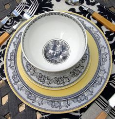 My Favorite Things: Transferware Outdoor Fall Parties, China Patterns, Fine China, Tablescapes, Dinnerware, Stoneware, Decorative Plates, Pottery, Dishes