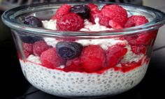 Another use for chia seeds.how about a delish Raw Pudding? Another use for chia seeds. Healthy Desayunos, Healthy Summer, Healthy Eating, Raw Food Recipes, Healthy Recipes, Healthy Breakfasts, Chia Benefits, Health Benefits, Yummy Treats