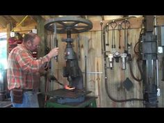 Forging an adze, rough grinding and final forging. - YouTube