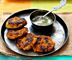 Butternut Squash and Couscous Patties: Indian spices and smoky char marks offset the sweetest of the squash in these fun party appetizers. Healthy Appetizers, Appetizers For Party, Appetizer Recipes, Healthy Recipes, Healthy Eats, Vegetarian Thanksgiving, Vegan Vegetarian, Vegetarian Recipes, Thanksgiving 2016