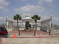 Selena's White Rose Memorial (Corpus Christi, Nueces County, Texas)