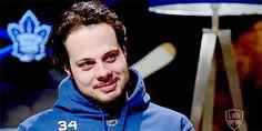 Auston Matthews 💙🥰💙 Maple Leafs Hockey, Toronto Maple Leafs, Hockey Players, Ice Hockey, Nhl, Sexy Men, Hot Guys, Handsome, Boys