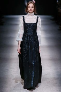 Alberta Ferretti Fall 2015 Ready-to-Wear Collection Photos - Vogue