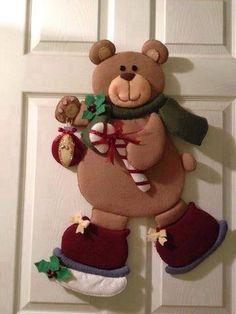 Da net Diy And Crafts, Teddy Bear, Crochet, Christmas, Christmas Art, Scrappy Quilts, Home, Grinch Christmas Decorations, Christmas Stairs Decorations