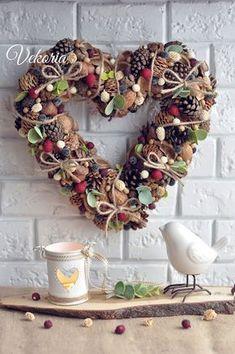 венок, wreath Diy Christmas Mugs, Christmas Mood, Christmas Ornaments, Handmade Decorations, Flower Decorations, Christmas Decorations, Holiday Decor, Autumn Crafts, Valentine Wreath