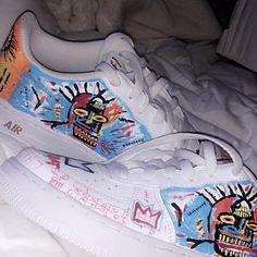 d404f00e87bb Madison Velis a ajouté une photo de son achat Custom Sneakers
