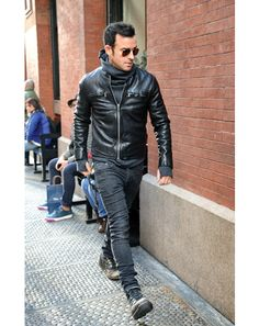 1391729736919_justin theroux 02