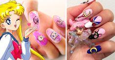 Las chicas amantes de Sailor Moon no tienen suficiente cuando se trata de regalos, ropa y accesorios inspirados en Serena y suentrañableserie de manga de 1992. Lo hemos dicho antes y lo repetimos convencidas: si no es con detallitos de Sailor Scout, ¿cómo más se consiente a una fan de esta serie? Uñas Sailor Moon, Sailor Moon Outfit, Sailor Moon Nails, Sailor Moon Jewelry, Moon Silhouette, Moon Decor, Artwork Images, Cute Acrylic Nails, Gorgeous Nails
