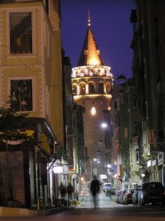 Galata Kulesi Float Your Boat, Istanbul Turkey, My Happy Place, Empire State Building, Big Ben, City, Places, Travel, Voyage
