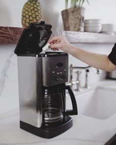 The First Ever Portable Water Purifier Coffee Machine, Water Filter, Drip Coffee Maker, Rust, Kitchen Appliances, Swimming, Change, Stuff To Buy, Diy Kitchen Appliances