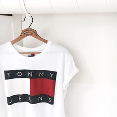 trend anno de trend in 2016 was dat iedereen bijna tommy jeans ging dragen Trend Fashion, Look Fashion, Fashion Outfits, Womens Fashion, Teenager Mode, Summer Outfits, Casual Outfits, Nice Outfits, Winter Outfits