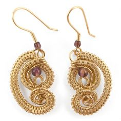 Cercei aurii cu ametist Wire Wrapped Jewelry, Flamingo, Crochet Earrings, Handmade Jewelry, Drop Earrings, Flamingo Bird, Flamingos, Drop Earring, Diy Jewelry