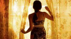 CARAMEL / ET MAINTENANT ON VA OÙ ? DE NADINE LABAKI - Ce mois-ci, pleins feux sur une réalisatrice libanaise, Nadine Labaki. Auteure de deux films, la cinéaste possède déjà un univers très personnel, avec comme thèmes principaux l'amour de son pays, et surtout celui de la femme.