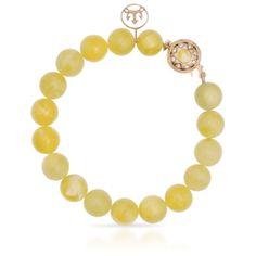 Bransoletka z bursztynem stanowi idealne połączenie z bursztynowym naszyjnikiem prezentowanym w kolekcji High Amber Jewelery. Piękno miodowo mlecznego jantaru, jest cenione od wieków, ze względu na niezwykle rzadko spotykaną barwę.