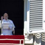 Papa Francisco en el rezo del Ángelus: Construyamos a Dios un templo con nuestra vida