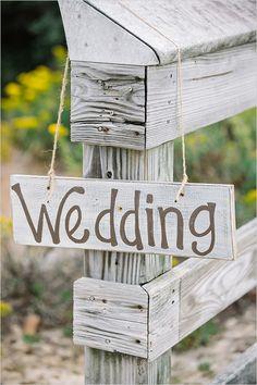 Plaquinhas para decorar seu casamento. você encontra na loja TudopraNoiva.com