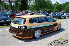 "Cool paint! VW Passat Wagon 3C ""Edition Eight"""