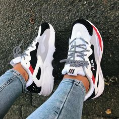 y first pair of sneakers from Fila 🙈 and I'm in love with them! So comf Shoes is part of Chunky sneakers - y first pair of sneakers from Fila 🙈 and I'm in love with them! So comf y first pair of sneakers from Fila 🙈 and I'm in love with them! So comf Moda Sneakers, Sneakers Mode, Sneakers Fashion, Fashion Shoes, Women's Shoes Sneakers, Shoes Heels, Adidas Shoes, Cute Sneakers For Women, Clothes