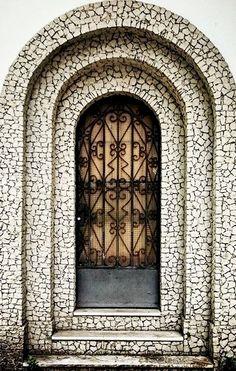 Laranjeiras ~ Rio de Janeiro, Brazil Door Knockers, Door Knobs, Door Handles, Cool Doors, Unique Doors, Porches, The Doors Of Perception, Door Gate, Grand Entrance