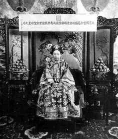 File:The Qing Dynasty Ci-Xi Imperial Dowager Empress of China Photographed in 1900s.PNG