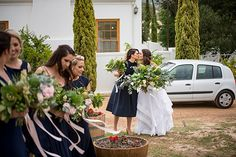 This is such a gorgeous farm wedding! Today we are sharing Izan and René's special day with you, beautifully captured by Love of Light Photography. Bridesmaid Dresses, Wedding Dresses, Light Photography, Farm Wedding, Special Day, Target, Bouquet, Flower Girl Dresses, Beauty