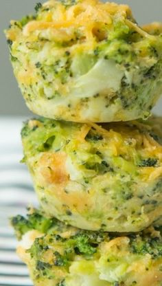 Easy Broccoli Cheese Bites Quick and Easy Broccoli and Cheese Muffin Tin Bites ~ Perfect quick and easy appetizers, full of veggie and cheesy goodness… Everything you love about a broccoli cheese casserole all in one tiny bite. Veggie Side Dishes, Vegetable Dishes, Side Dish Recipes, Broccoli Side Dishes, Quick Side Dishes, Easy Party Side Dishes, Christmas Vegetable Side Dishes, Chicken Side Dishes, Veggie Christmas