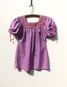 1970s-Lavender-EMBROIDERED-Peasant-Hippie-Folk-MEXICAN-Top-S