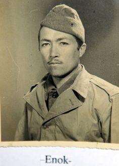 Soldado Enock Valentim de Melo, da 3ª Companhia de Comando (3º Batalhão do 11º Regimento de Infantaria), ferido ao pisar em uma mina em Montese, na Itália.