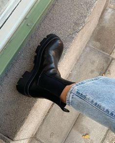 Dr Shoes, Hype Shoes, Sock Shoes, Me Too Shoes, Shoes Heels, Heel Boots, Shoes Sneakers, Pumps, Nike Vintage