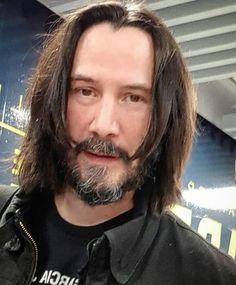 Don't use the past as an excuse to miss out on your future. Keanu Reeves House, Keanu Reeves John Wick, Keanu Charles Reeves, Charlie Chaplin, Arch Motorcycle Company, Keanu Reaves, Blockbuster Film, Attractive People, Beautiful Soul