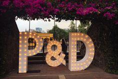 Letras gigantes para boda con Dilo en Grande