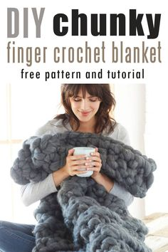 How to make DIY chunky knit blanket (arm knit or finger knit : How to make DIY . - How to make DIY chunky knit blanket (arm knit or finger knit : How to make DIY chunky knit blanket - Finger Crochet, Crochet Diy, Chunky Crochet, Hand Crochet, Chunky Yarn, Crochet Granny, Crochet Owls, Chunky Knits, Simple Crochet