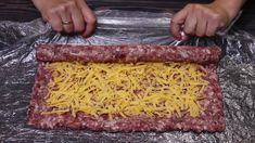 Tento recept z youtube je skvelou alternatívou ku klasickým fašírkam. Mleté mäso naplníte syrovou plnkou, stočíte, nakrájate, obalíte v cestíčku a vysmážate. Chutí fantasticky!Potrebujeme:500 g mletého mäsa1 cibuľu150 g syra1 vajcesoľ, čierne mleté korenie podľa …