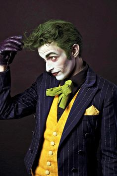 laudanumandarsenic:    theblacklacedandy:justveryslightlymad:thecaptainisin:extrambotica:  //.//  Anthony Misiano ( Harley's Joker )  click to see it high resolution is SO worth it!