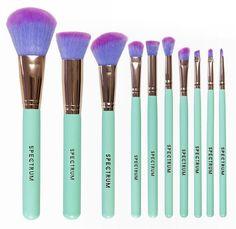 mint green, vegan, cruelty free make-up brushes from Spectrum