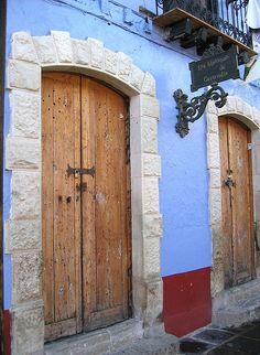El Chico door, Hidalgo, Mexico