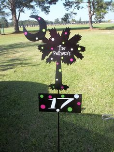 Palm yard stake by BackyardMetalArts on Etsy, $38.00