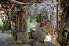 Inside the Cathedral of Junk - Cathedral Of Junk Photo from Dave Bullock / eecue, a programmer and photographer living in Downtown Los Angeles Downtown Los Angeles, Cathedral, Fun, Painting, Painting Art, Paintings, Painted Canvas, Cathedrals, Funny