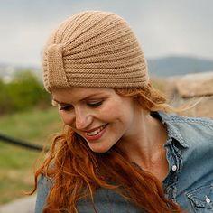 Free knitting patterns and crochet patterns by DROPS Design Knitting Patterns Free, Free Knitting, Free Pattern, Scarf Patterns, Knitting Tutorials, Baby Hats Knitting, Knitted Hats, Finger Knitting, Knit Crochet